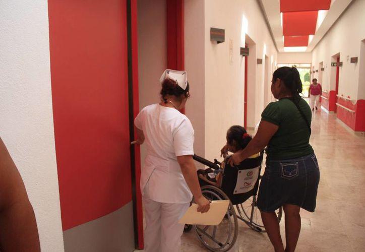El CRIQ, atiende a 12 mil pacientes con alguna discapacidad. (Harold Alcocer/SIPSE)