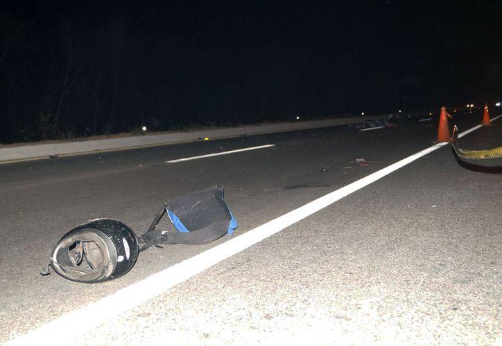 Un motociclista fue arrollado por un tráiler en la vía Mérida-Acanceh. Falleció en el lugar. El chofer del camión se fugó. (SIPSE)
