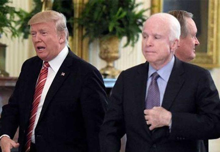 La relación de McCain con Trump ha sido muy tensa desde que el magnate llegó a la Casa Blanca. (AP)