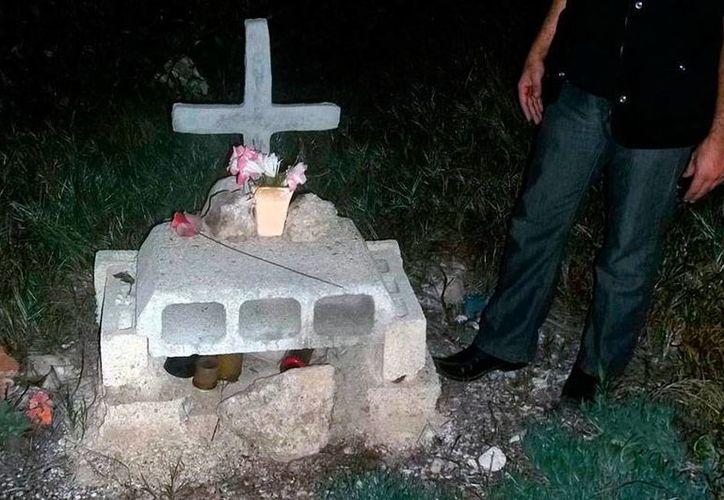El fantasma de un anciano merodea por la carretera a Mocochá, Yucatán. No descansa en paz en parte porque el nicho que se construyó en su honor fue destruido. El de la imagen no corresponde al hecho, es sólo ilustrativo. (Jorge Moreno/Archivo-SIPSE)
