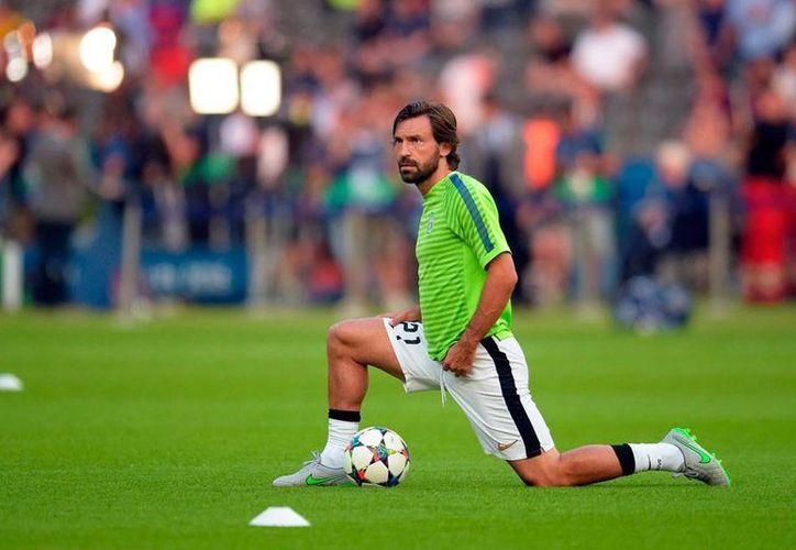 Andrea Pirlo, un auténtico símbolo del futbol italiano de los últimos tiempos, se fue del club de sus amores: La Juventus de Turín. (Efe/Archivo)