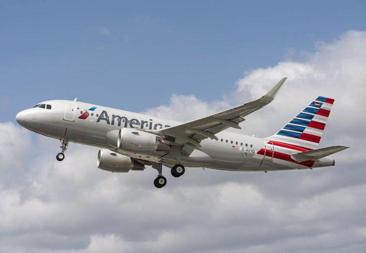El vuelo de American Airlines Cancún- Los Ángeles sí recibió autorización. (Foto: Agencias)