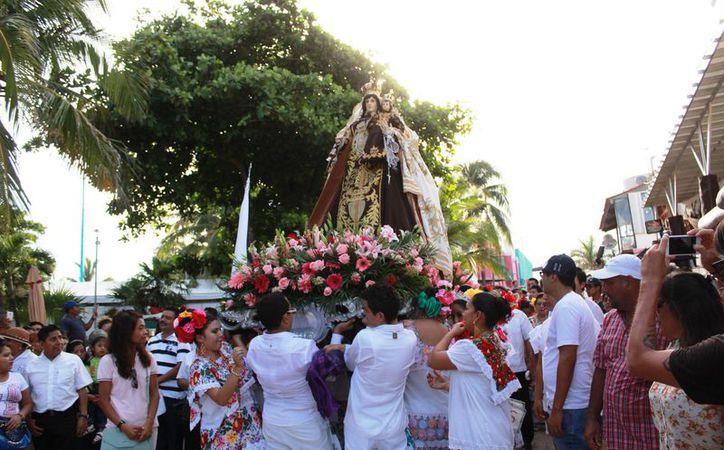 la primera imagen de la virgen del Carmen, pudo haber sido traído por pobladores procedentes de Valladolid, Yucatán. (Foto: Octavio Martínez/SIPSE)