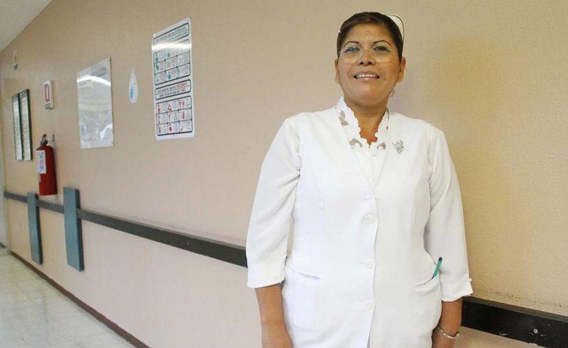 Ileana Cecilia Dorantes Ruíz lleva 20 años de servicio. (Yajahira Valtierra/SIPSE)