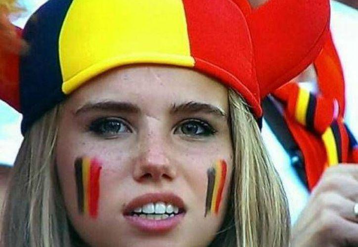 Axelle Despiegelaere se hizo famosa de la noche a la mañana, pero ahora está desempleada. (Fotos: Facebook de Axelle Despiegelaere)