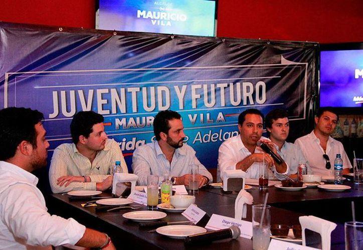Mauricio Vila Dosal participó en el evento 'Juventud y Futuro' con talentos de diversas disciplinas. (Milenio Novedades)