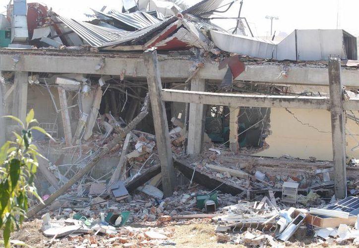 Así quedó el Hospital Materno Infantil de Cuajimalpa luego de que sobreviniera una explosión al descargar gas una pipa. Ahora la empresa responsable, Gas Express Nieto, fue exonerada por homicidio y lesiones, pero enfrenta todavía cargos por daños. (Notimex)
