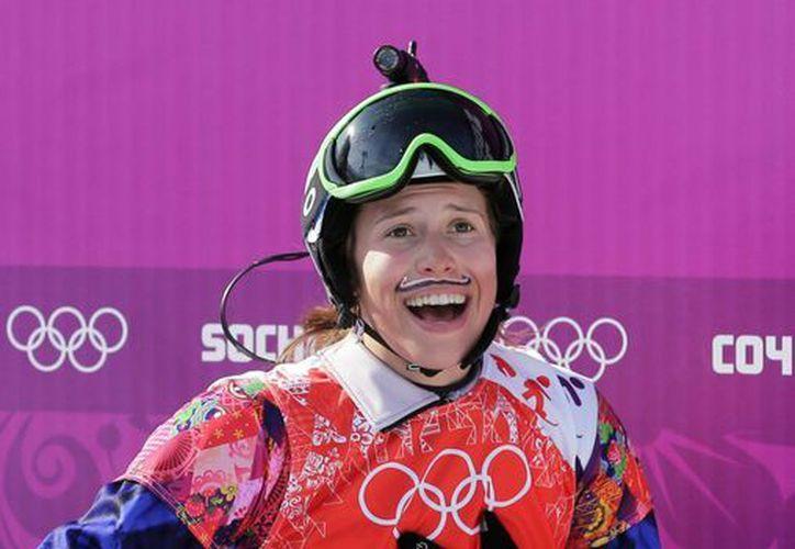 Samkova 'voló' sobre la nieve hacia la medalla de oro. (Agencias)