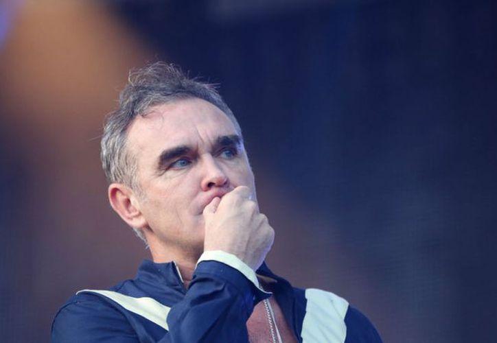 El británico Morrissey hizo una breve aparición en el programa matutino Sale el Sol de Imagen Televisión. (Foto: Teletrece)
