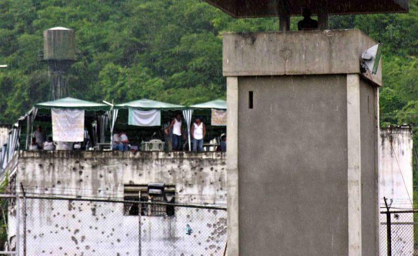 """Mientras el número de reos aumentó un 128 % entre 2000 y 2010, la población de Brasil lo hizo en el mismo período en un 12 % (diez veces menos), con lo que en unos años se podría tener """"otro país"""" sólo de personas detenidas. (EFE/Archivo)"""