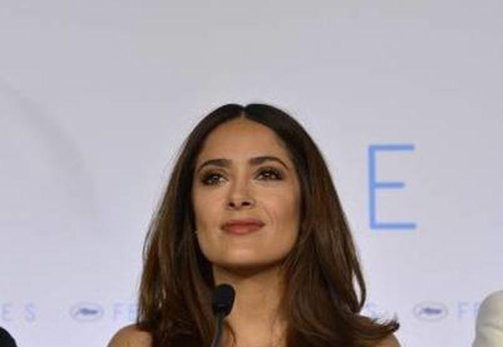 "Medios franceses destacan ""glamour"" de Salma Hayek. (Fotografía: Notimex)"