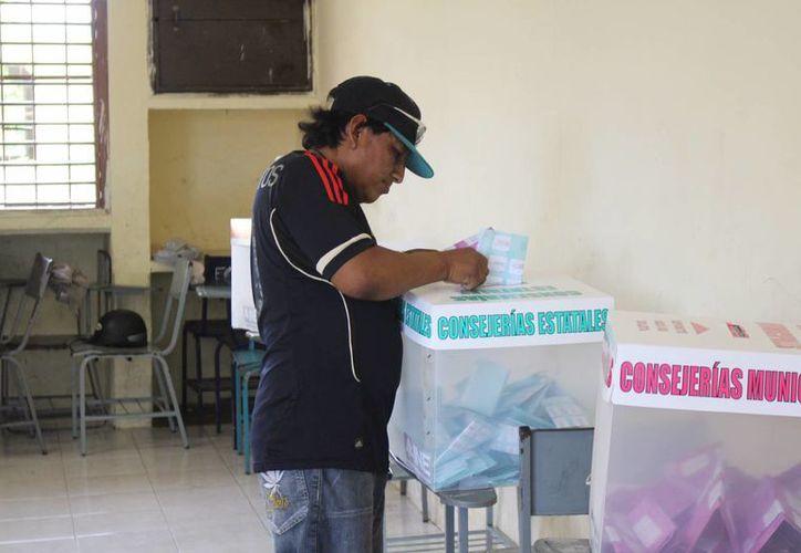 El PRD realizó sus elecciones internas en Playa del Carmen. (Luis Ballesteros/SIPSE)
