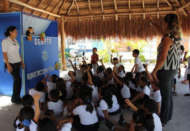 Alumnos durante el Curso de Educación Vial. (Rossy López/SIPSE)