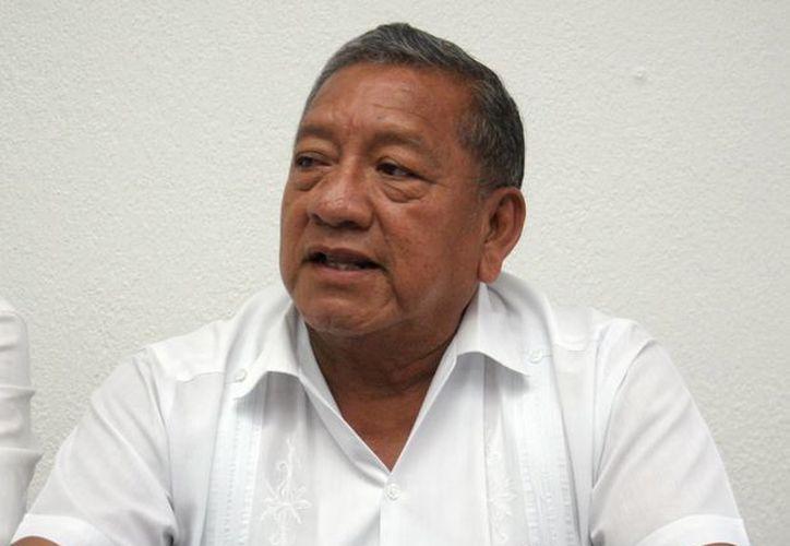 Daniel Quintal Ic, secretario de Obras Públicas, quien habló de los proyectos de obra pública. (Milenio Novedades)