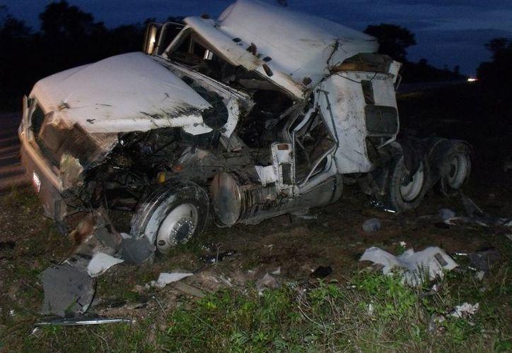 Los daños materiales de la unidad fueron valuados en más de 200 mil pesos. (Archivo/SIPSE)