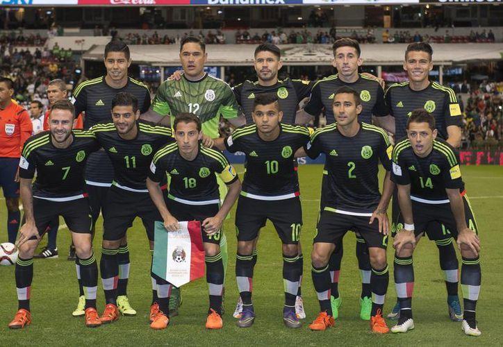La Selección Mexicana tendrá que confrontar la eliminatoria mundialista, Copa Confederaciones y Copa Oro.(Foto tomada de Facebook/ Selección Nacional de México)