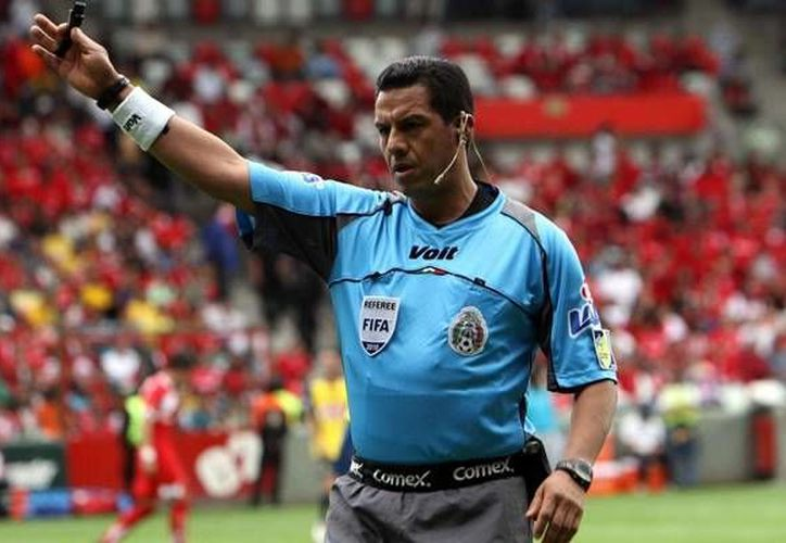 Armando Archundia, uno de los mejores árbitros mexicanos de los últimos años, dice que le alegra ver cómo se unió el gremio de silbantes. (mediotiempo.com/Foto de archivo)