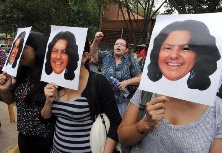 La activista ambiental Berta Cáceres fue asesinada en Honduras en marzo de 2016. Hoy fue arrestado un exmilitar en México por su implicación. (Foto de archivo de AFP)