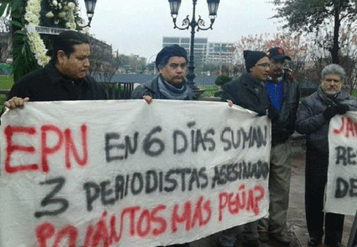 Veracruz es el estado con más agresiones contra comunicadores en el país. Imagen de una de las protestas en la Ciudad de México. (Roberto Alanís/Milenio)