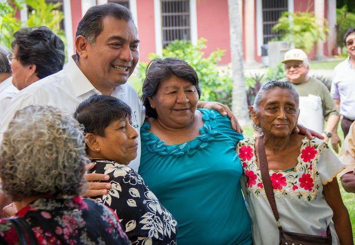 """""""No es cierto que en Mérida todas las cosas estén bien, al contrario"""", dijo Víctor Caballero Durán, candidato del PRI a la presidencia de la capital del Estado. (SIPSE)"""