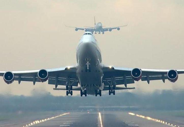 Los aviones modernos están incrementando su capacidad de conexión a internet. (taringa.net)