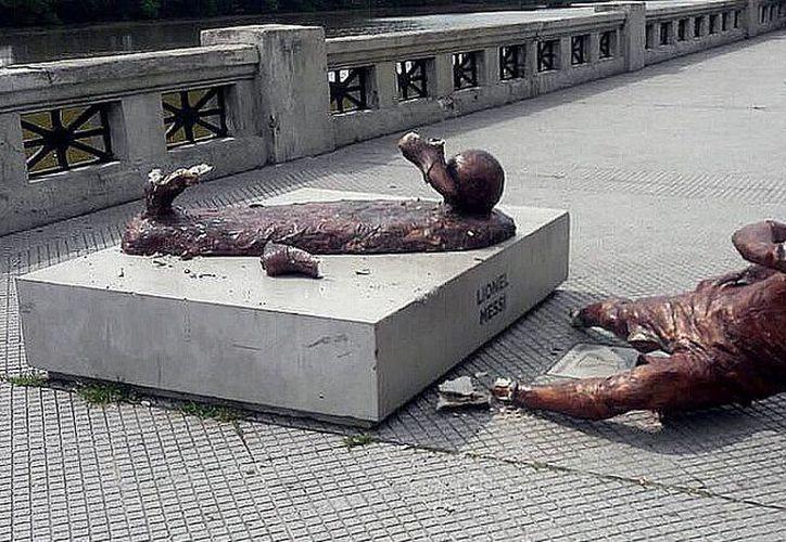 El monumento del jugador se encontraba en el Paseo de la Gloria de la Costera en Argentina. (Foto: Medio Tiempo)