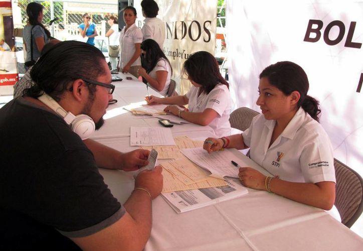 Las ferias de empleo, realizadas el año pasado, incrementaron la generación de plazas en la entidad. (Milenio Novedades)