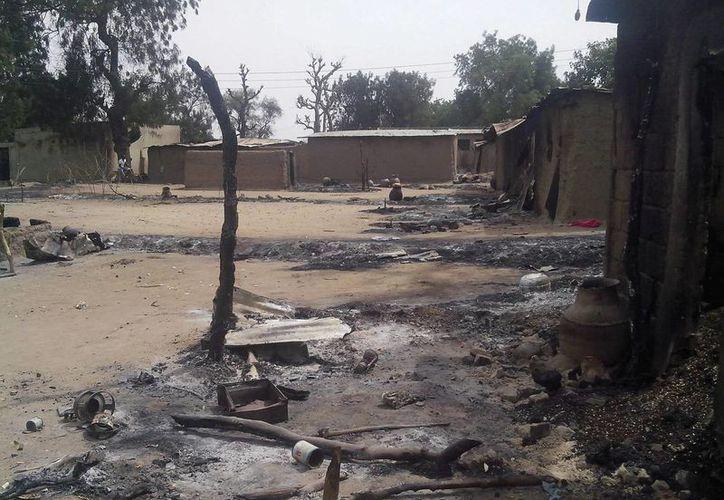 Destrozos causados por un ataque del grupo radical islámico Boko Haram en el municipio de Karuwi, en Nigeria. (EFE(Contexto)