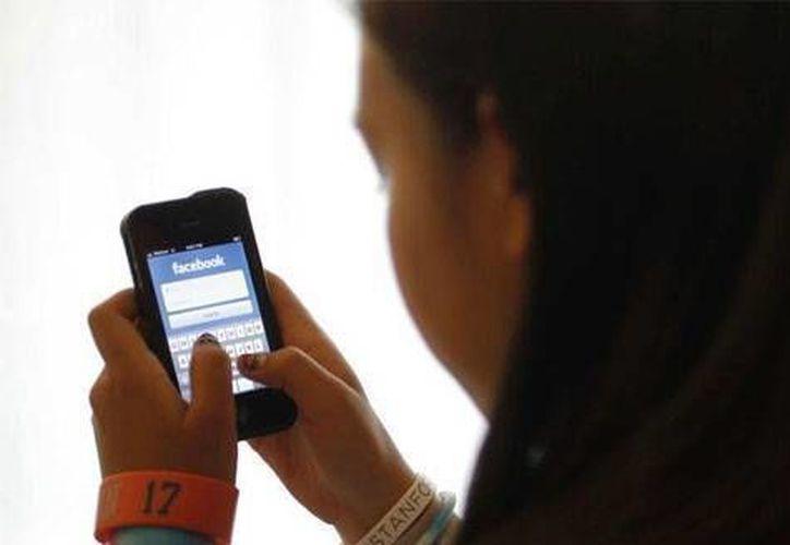 Facebook expulsó al anunciante, que utilizó en una publicidad fotos de una víctima canadiense de acoso. (Agencias/Foto de contexto)