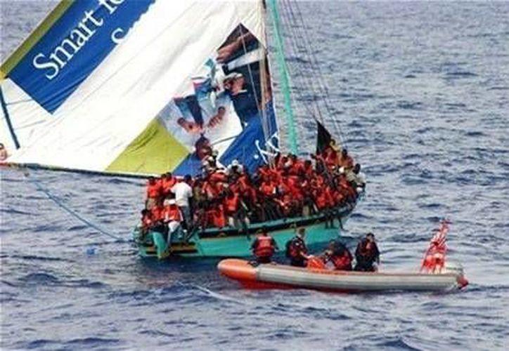 Foto de archivo del rescate de náufragos  en Somalia, el 20 de diciembre de 2012. (Agencias)