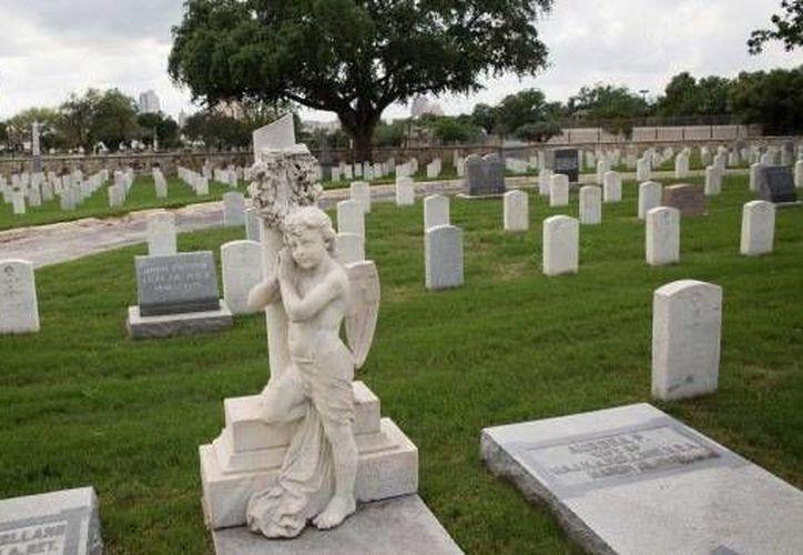 Ya han sido registradas más de 120,000 tumbas en Neshamá, señala la creadora del sitio web, Shelly Furman Asa. (RT)