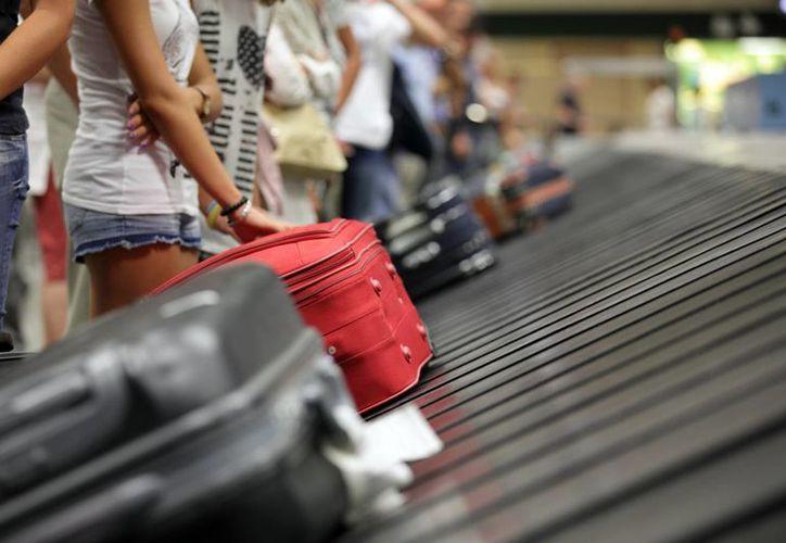 Por tu seguridad, algunas aerolíneas sugieren que antes de viajar en avión tomes un registro fotográfico y de video de tu maleta. (Contexto/Internet)