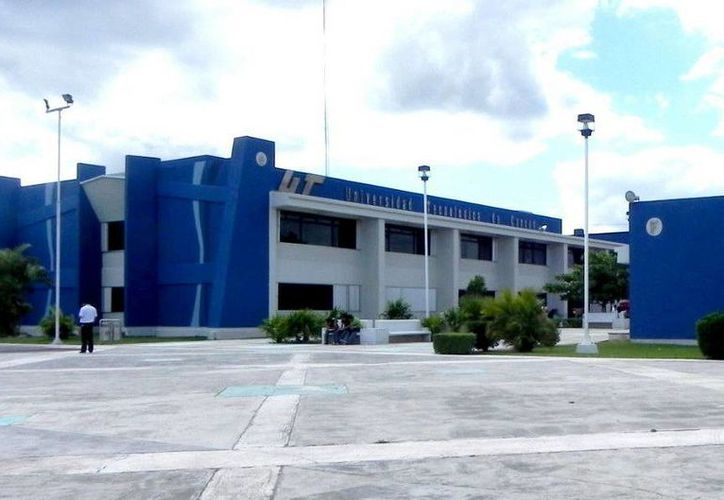 La Universidad Tecnológica de Cancún firmó el convenio para que los estudiantes cursen un cuatrimestre en Quebec, Canadá. (Redacción/SIPSE)