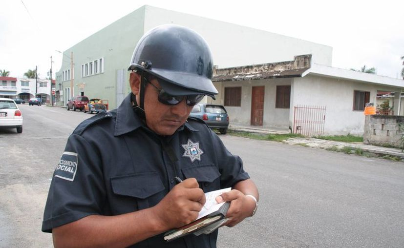 Policías municipales que reprueben examen serán dados de baja. (Julián Miranda/SIPSE)