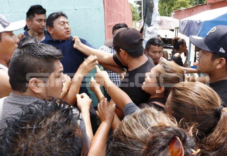Los golpeas se presentaron en Xocchel ante el reclamo de los habitantes. (José Acosta/Milenio Novedades)