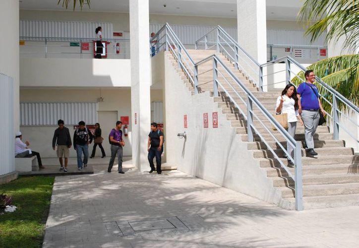 Aseguran Universidad del Caribe está al nivel de las mejores universidades del país. (Tomás Álvarez/SIPSE)