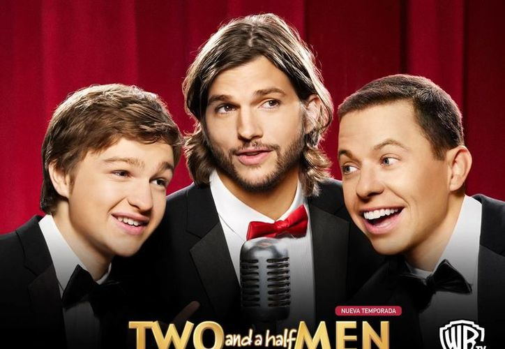 Ashton Kutcher nunca pudo superar el rating de Charlie Sheen en Two and a Half Men. (episodegenerator.com)