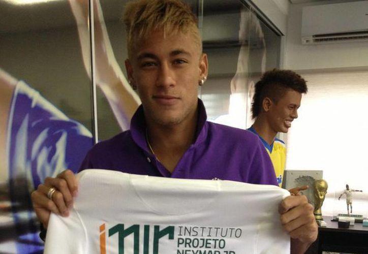 Las puertas para que Neymar llegue al Barcelona parecen abrirse antes de lo debido. (Facebook oficial)