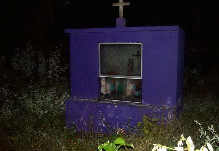 Según el policía Gabriel Medina Fernández, una de las 'apariciones' de fantasmas que le ha tocado ver ocurrió cerca de un nicho, lugar donde había fallecido un policía federal. La imagen es de contexto. (Jorge Moreno/SIPSE)