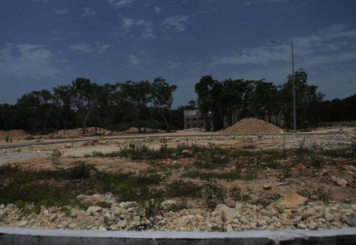 En un par de meses se estará colocando la primera piedra de la construcción. (Harold Alcocer/SIPSE)