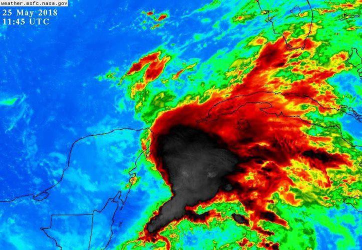 """La tormenta subtropical """"Alberto"""" tiene vientos máximos de hasta 65km/h. (Nasa)"""