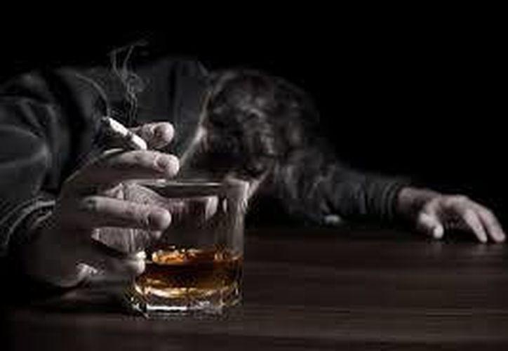 El sector de 10 a 14 años está entrando en drogas legales al consumo de tabaco y alcohol. (Contexto/Internet)