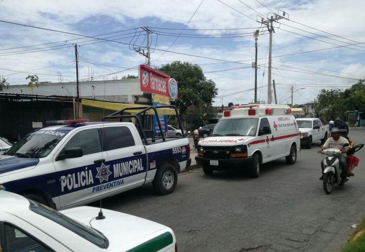 Dos asaltantes le arrebataron a un diligenciero el dinero que le acababan de dar en varias farmacias Yza.  (Eric Galindo/SIPSE)
