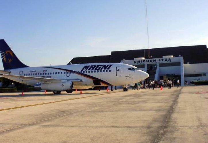 'El Aeropuerto de Chichen Itzá está inmerso en el proyecto de detonar un centro de carga aérea en la zona, ya sea en Valladolid o Chichén Itzá'. (Milenio Novedades)