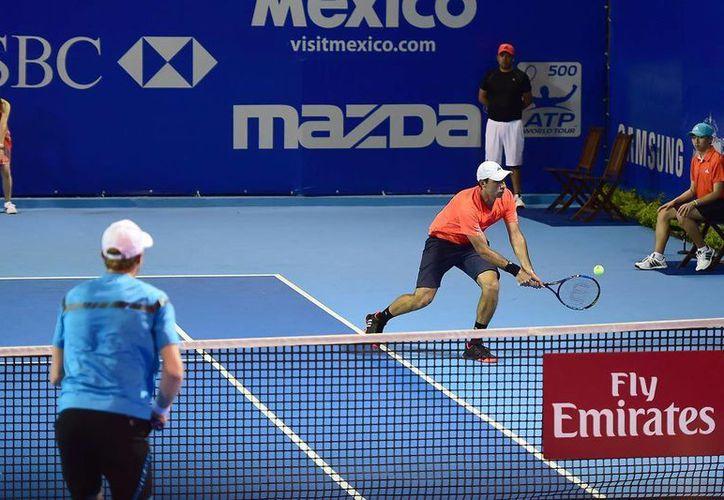 El mexicano Santiago González y el polaco Mariusz Fyrstenberg, derrotaron a los estadounidenses Steve Johnson y Sam Querrey, en la primera ronda del Abierto Mexicano de Tenis. (Foto: abiertomexicanodetenis.com)