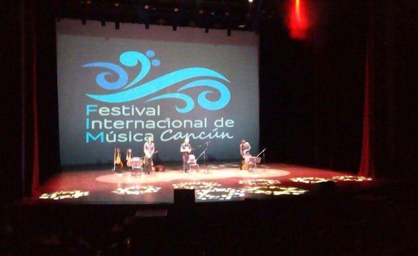 Algunos conciertos serán directamente en las escuelas y otros tendrán lugar en espacios como el Teatro de Cancún, el Teatro 8 de Octubre. (Contexto/Internet)