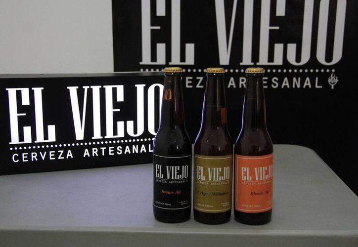 Las cervezas 'El Viejo' son hechas de forma artesanal en Cancún. (Tomás Álvarez/SIPSE)