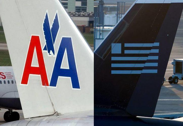 Las aerolíneas prevén completar su fusión para el tercer trimestre de este año. (Fotocomposición/EFE)