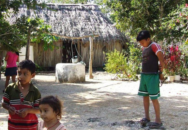 Los niños son parte de la población vulnerable a contraer enfermedades de invierno o a accidentarse en esta temporada. (Rossy López/SIPSE)