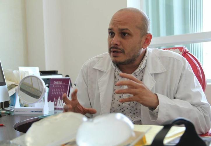 Dr. Manuel Fajardo Lara, presidente del Colegio de Cirujanos Plásticos de Yucatán. (SIPSE)